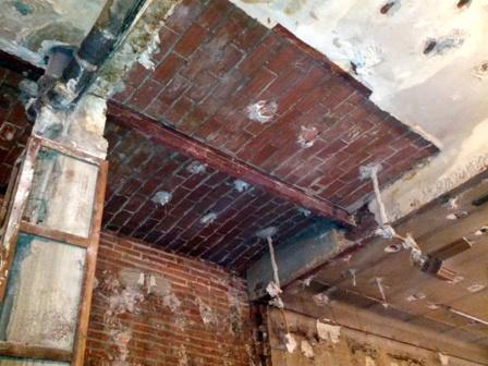 Refuerzo de forjados en la rehabilitaci n de edificios - Forjado viguetas metalicas ...